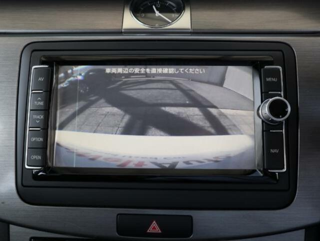 バックカメラも装備されていますので車庫入れも安心です。