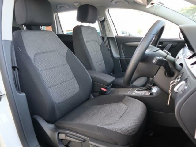 フォルクスワーゲンのシートはホールド性に優れ長時間の運転でも疲れにくい設計です。
