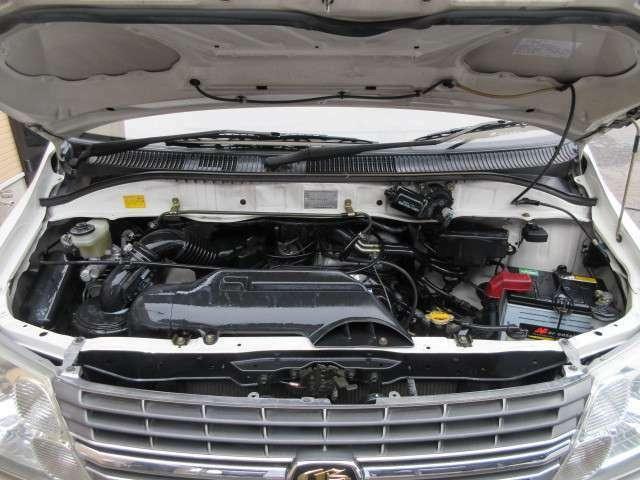 エンジンルームはクリーニング済みです♪エンジンは吹け上がりも良く変速もスムーズです♪