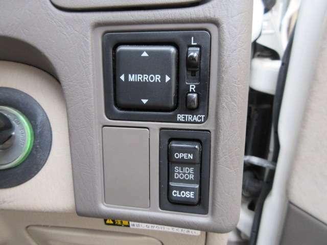 Bプラン画像:左側は電動スライドドアになります♪スイッチ一つで開閉可能ですのでとっても便利です♪