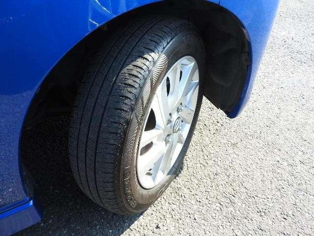 純正14インチアルミ付、タイヤの山たっぷりあります。