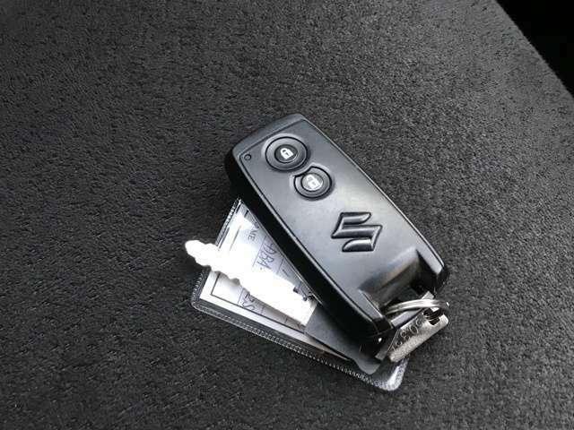 キーフリーですので、鍵はパケットやバッグの中に入れたままで大丈夫です