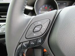 ステアリングスイッチでオーディオも簡単に操作できます。ハンズフリー対応ですので、電話もでき便利です!