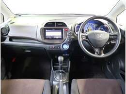 走行距離54205km 25年式 グレード ハイブリッドC 2WD 1300cc 外装色シルバー 内装色 クロ タイヤ溝あります。車検整備付き