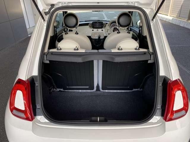 積載容量は185リッター!機内持ち込みのキャリーバッグが2個分程度!深さがある為、サイズ以上の積載容量を実現!