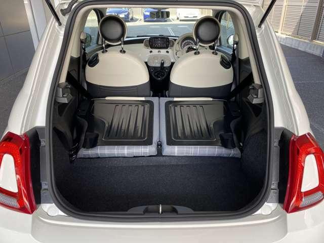後部座席を倒した場合、積載容量は550リッター!後部座席の後ろは鉄板になっている為、重い物や固い物も安心して積み込めます!