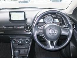 ハンドルオーディオリモコン付きだからハンドルから手お離さずにオーディオ操作が出来るので、とっても安全です。