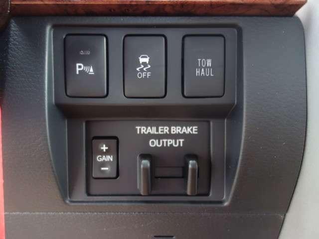 電磁ブレーキも装備されてますので大型車両を牽引するときには大変重宝致しますので牽引する方にはなくてはならない装備の1つです。