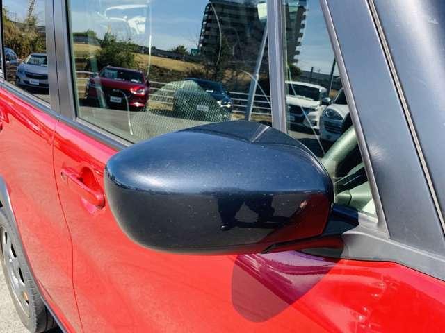 【 電動格納ミラー 】ドライバーの目線に合わせ、ミラーの上下左右調整が可能です♪