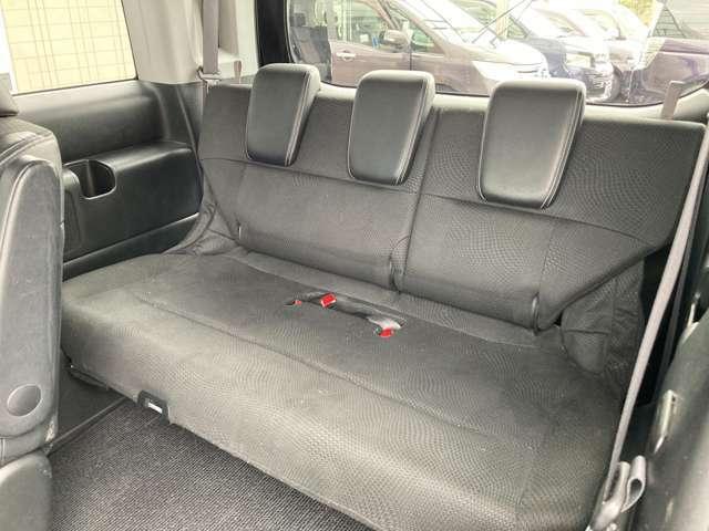 サードシート  使用感少なく綺麗です ハーフレザーシートとなっております!