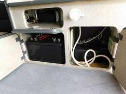 サブバッテリー 走行充電器 外部電源