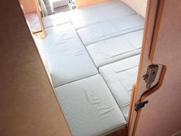 広々としたダイネットベッド!就寝人数2名!