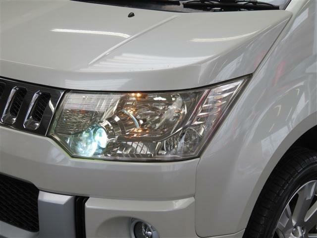 夜間の安心HIDヘッドライト!明るさがハロゲンとは違います!これなら暗い夜道も安心して運転することが出来ますね♪