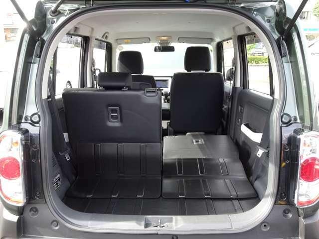 ≪ラゲッジスペース≫ リヤシートのは分割されておりますので、乗車人数や荷物に合わせたアレンジが可能です!