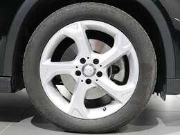 【Mercedes-Benz純正18インチ5スポークアルミホイール】純正のアルミホイールで足元までしっかりメルセデス♪
