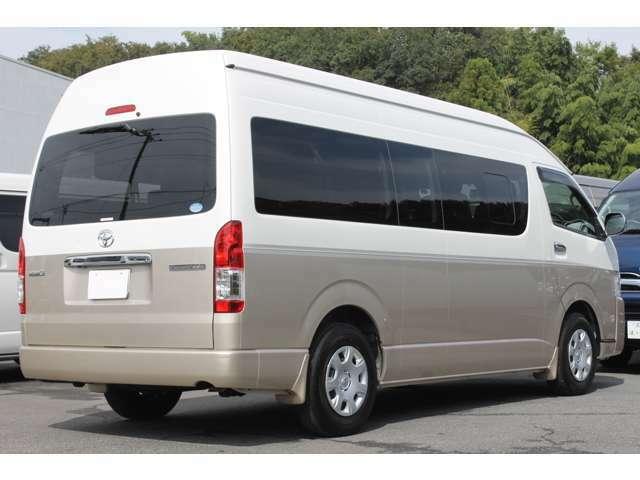 長さ:538cm/幅:188cm/高さ:228cm/車両重量:2050kg/車両総重量:2600kg/燃料タンク:70リットル/カラーナンバー:2QD