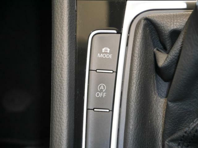スポーツ、エコなどシーンに合わせた走行モードを選べるドライビングプロファイリングモードを装備。
