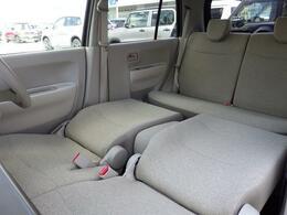 コンパクトボディーですが 足を伸ばしてゆっくり休憩できる 広々車内です♪