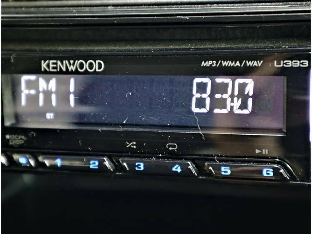 オーディオデッキは FM・AM・CD・USB・イヤホンジャック入力に対応!