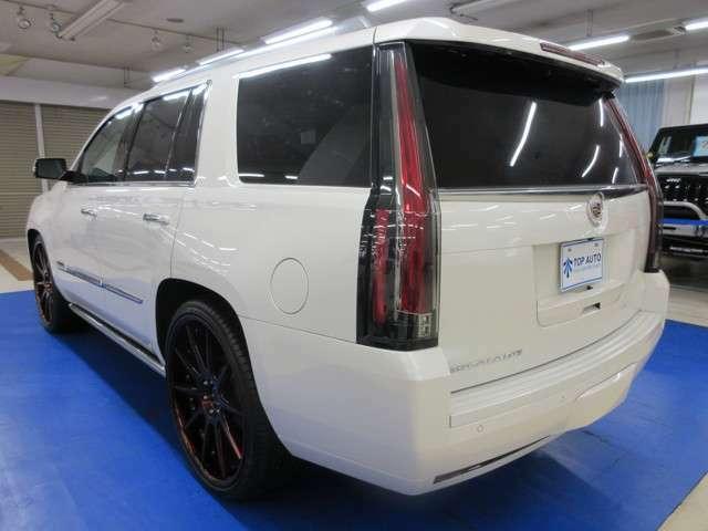 最新装備・パワートレインに低燃費な高級SUV車♪