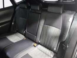 しっかりとした厚みのシートで振動や騒音を低減、長時間のドライブでも疲れません!