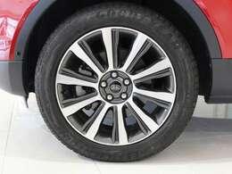 ■高年式・低走行モデルからお買い得モデルまで、専門店の目線で厳選した魅力溢れる高品質車のみを取り揃えてございます。 ■日常を豊かに彩る1台をご提案させていただきます。