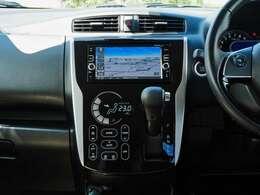 日産純正メモリーナビMM316D-W。フルセグTVはもちろんDVD再生にも対応。Bluetooth接続にてハンズフリー通話も可能です。CD録音機能付き。
