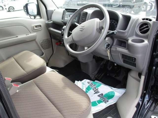 ご納車前には車検残に応じて、点検整備・車検整備をいたしますので、安心してお乗り頂けます!エンジオイルやフィルターなど消耗部品等は交換いたしますので安心です!