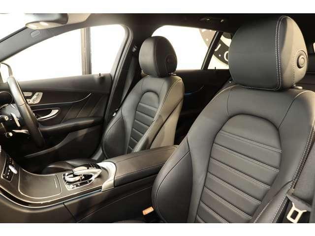 綺麗な状態が維持されたブラックレザーシートを装備!メモリー機能付きパワーシート、シートヒーター、ランバーサポートなど多機能設計でドライブをサポートします!!