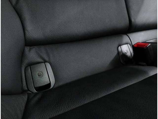 シートベルトを使わずに、安定したチャイルドシートの固定が可能な「ISO-FIX」にも対応しています。