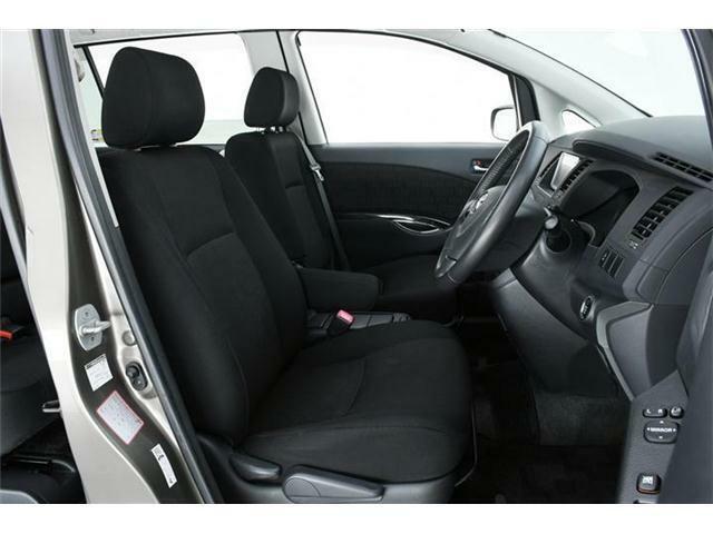 使用感の出やすい運転席廻りもキレイな状態が維持されています◎
