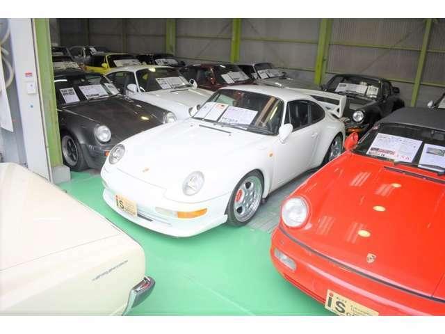 展示場内には希少車多数ございます。詳しくはHPご覧くださいませ。