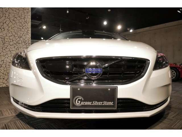 数ある販売店の中から当社のお車をご覧いただき誠にありがとうございます。ガレージシルバーストーン販売車輌へのお問い合わせは、092-593-5388までお気軽にご連絡下さい。