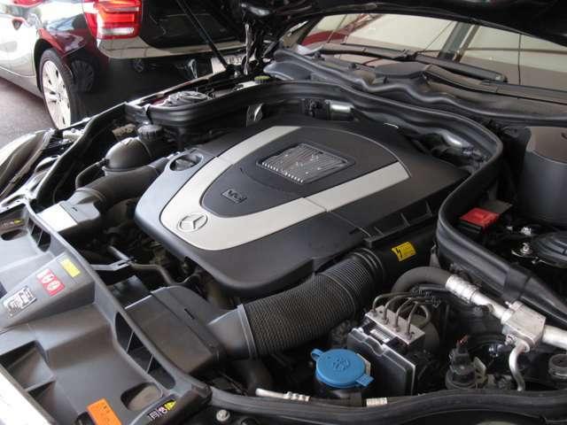 ■V型6気筒DOHCエンジン/3497cc/272psカタログ値/7速AT■全長4870mm×全幅1855mm×全高1455mm■重量1710kg■燃費9.5km/L(10.15モード・カタログ値)