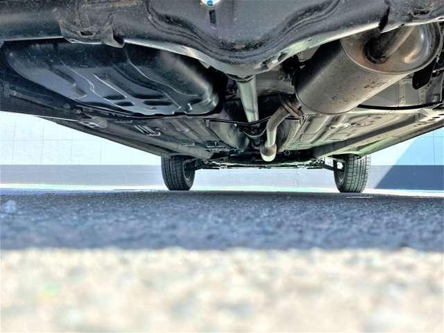 大事なお車をコーティングでいつまでも艶のある綺麗な状態で維持しませんか?下回りサビ止め塗装とのお得なパッケージもご用意しております。