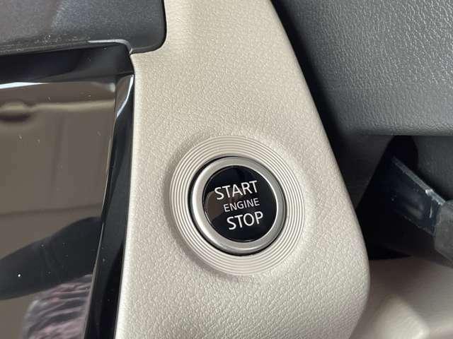 エンジンをかけるのもボタン1つのプッシュスターターはスタイリッシュですね。便利でかっこいいですよ。