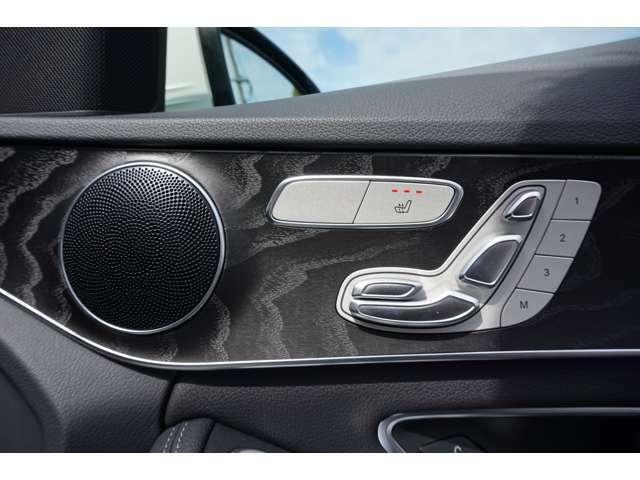 メルセデス・ベンツが定める厳しい条件をクリアしたお車のみをご案内しております。ご納車の際は、メーカー規定に基づき、最大100項目にも及ぶ点検を熟練のメカニックによって行っております。