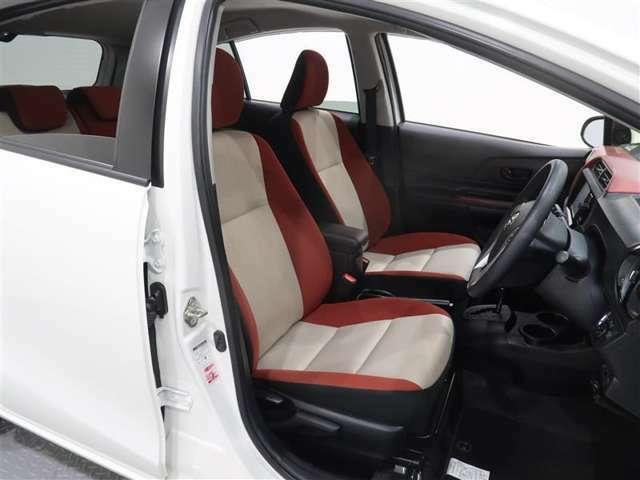 程よい硬さのシートで長距離運転も疲れにくいです。