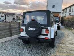 新品背面タイヤカバー装着しました。1ナンバーへの構造変更登録も、できます。