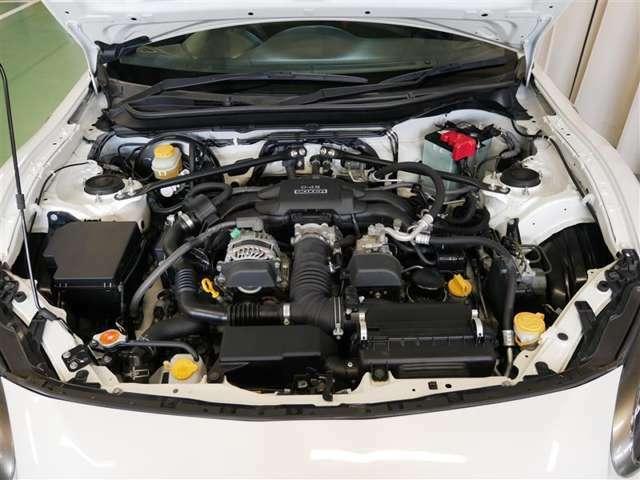2.0L 水平対向エンジン