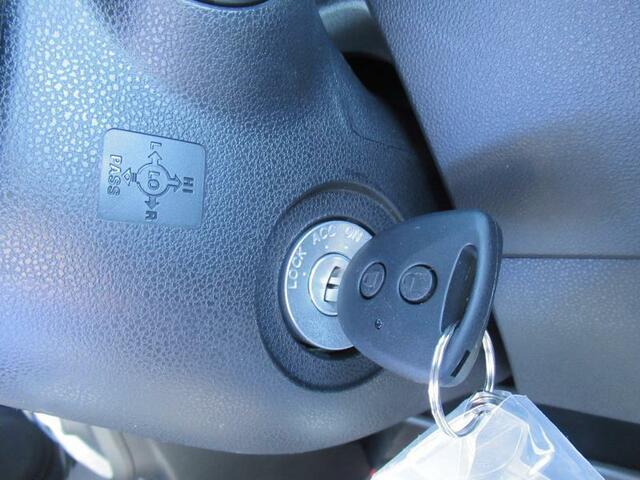 ◇キーレスキー ボタン操作ひとつでドアの施錠・解錠が可能です。