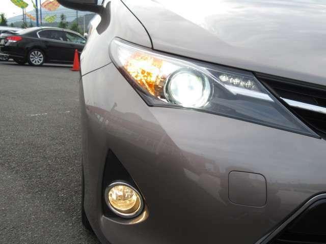 明るいHIDヘッドライトを装備!暗い夜道でも安心して運転が出来ます。