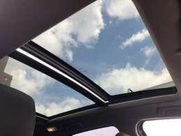 サンルーフは開放感◎!!爽やかな風を感じながらみんなで楽しくドライブへレッツゴー!!♪お問い合わせは【0066-9711-214736】