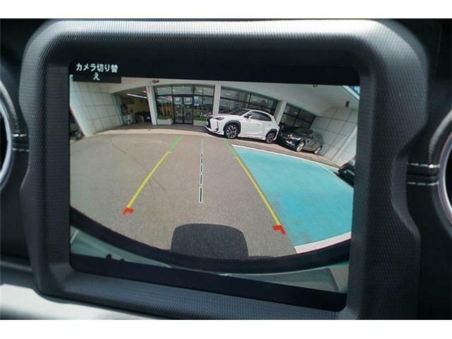 バックカメラ装備☆後退操作時に車輌の後方状況がモニターで確認できるガイドライン付き☆