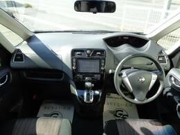アイポイントが高く見渡しの良い運転席は女性にも人気です☆
