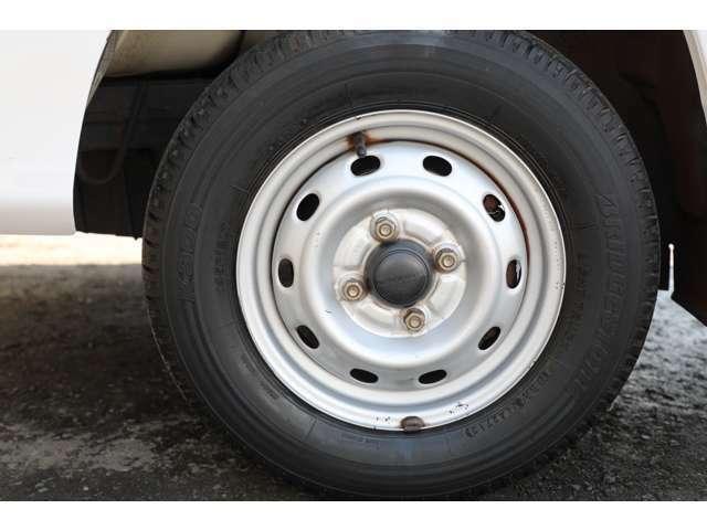 ★安心ブリジストンタイヤ装着!タイヤも山タップリございます!安心してお仕事、プライベートにお使い下さい。★