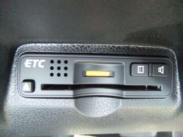 有料道路で大活躍なETCが搭載されています
