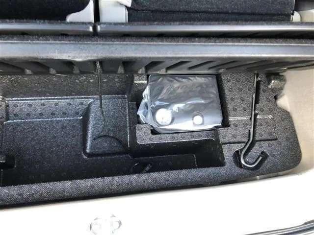 万が一のタイヤのパンクにはパンク修理キット搭載!