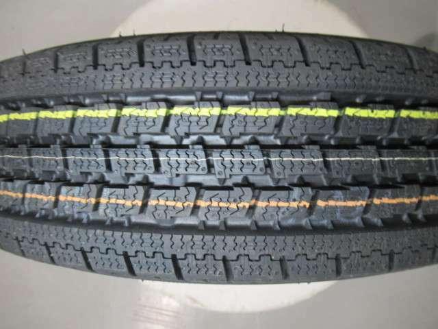 ☆積込タイヤ☆タイヤの溝もしっかりとあります!