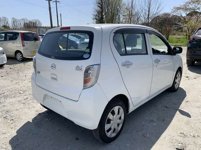 当社の販売するお車の価格帯は39.8万円を中心に取り揃えております。keicars.net